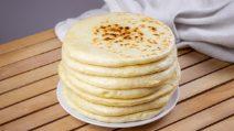 Pão turco na frigideira: fofinho e delicioso, adicione o recheio que preferir!