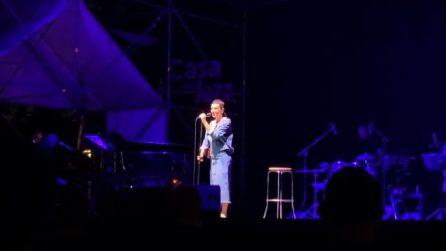 """Arisa live in """"Ricominciare ancora"""", come ripartire con ottimismo"""