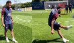 """La punizione """"magica"""" di Neymar: il brasiliano dà spettacolo in allenamento"""