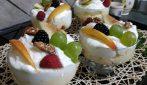 Dessert al cucchiaio con frutta fresca: la ricetta veloce e golosa