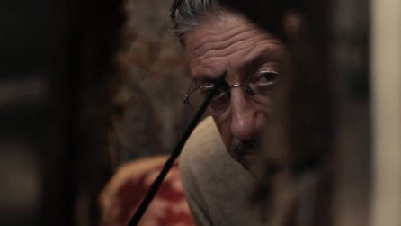 """""""Oggi mangiamo colla"""", Sergio Castellitto e Marina Confalone nel film Natale in casa Cupiello"""