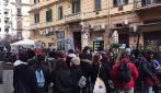 """Protesta degli studenti delle superiori contro De Luca: """"No al rientro se sarà come settembre"""""""