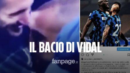"""Vidal bacia lo stemma della Juventus: """"Il bacio era per mio fratello Chiellini"""""""
