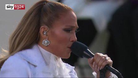 """Biden Presidente, l'esibizione di Jennifer Lopez, poi l'urlo in spagnolo: """"Libertad y justicia para todos"""""""