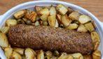 Polpettone e patate: il secondo piatto completo e appetitoso