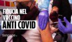 """Il vaccino anti-Covid agli anziani di oltre 80 anni: """"Lo facciamo con fiducia, per la salute di tutti"""""""