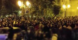 A Napoli maxi assembramenti a Mezzacannone per l'ultimo venerdì in zona gialla