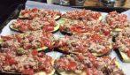 Melanzane al forno con tonno e pomodorini: la ricetta del contorno saporito