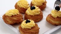 Italian fried zeppole: the delicious fritters to try right now