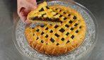 Crostata al cioccolato senza stampo: la ricetta furba e piena di gusto