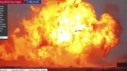 Razzo Starship SN10 esplode dopo l'atterraggio