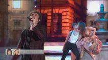 """Tancredi canta """"Buonasera signorina"""" nella seconda puntata di Amici 2021"""
