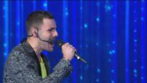 Raffaele canta Listen nella seconda puntata di Amici