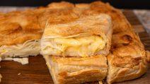 Torta recheada com queijo: perfeita para um jantar cheio de sabor!