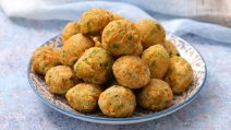 Como fazer bolinhos com legumes fofinhos e saborosos em poucos minutos!