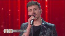 Amici 2020, prima puntata: Leonardo canta Pezzi di Vetro al Guanto di sfida