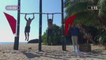 L'Isola dei Famosi - Il duello tra Gilles Rocca e Akash Kumar