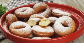 Quick donuts: sweet and ready in few minutes!
