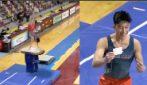 Il ginnasta esegue un esercizio perfetto: la sua esultanza è inaspettata
