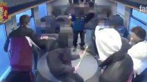 Maxi rissa a Gallarate, il video: dal viaggio armati in treno alle botte per le strade del centro