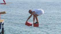 L'Isola dei Famosi - Roberto Ciufoli leader con una prova difficilissima