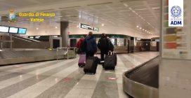 Malpensa, sequestrati 5,65 chili di droga: trovati nel bagaglio di una donna in arrivo dalla Nigeria