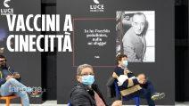 """Roma, apre il centro vaccinale sul set di """"Un medico in famiglia"""" a Cinecittà"""