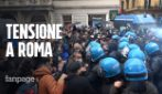 Roma, tensioni alla manifestazione 'Io Apro': lancio di bottiglie e bombe carta