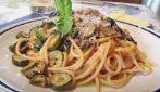 Spaghetti con zucchine, cacio e pepe: un primo piatto strepitoso