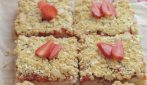 Crumble strawberry cake: the easy and so delicious recipe
