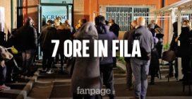 Vaccini Campania: anziani in fila per 7 ore, di notte e al freddo a Sant'Antimo