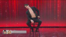 Amici 2021 - Alessandro spacca una sedia ballando una coreografia