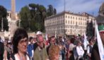 "Gilet arancioni in piazza per chiedere ""liberazione da dittatura sanitaria"""