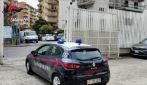 Napoli, rapina due ragazze davanti alla caserma dei carabinieri, arrestato