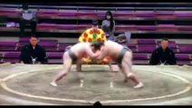 Hibikiryu non ce l'ha fatta, il lottatore di sumo morto un mese dopo la caduta