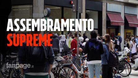 """Milano, folla e assembramenti al negozio di Supreme: """"Ma non hanno magliette di buona qualità"""""""