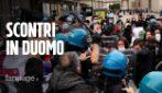 Milano, tensione al presidio contro Ddl Zan: polizia blocca contestatori
