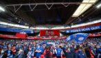 Colori e canti allo stadio: torna il tifo allo stadio Wembley per Chelsea-Leicester