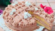 Torta soffice con crema al cioccolato: il dessert veloce e goloso