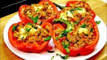 Peperoni ripieni al forno: la ricetta del piatto completo e saporito