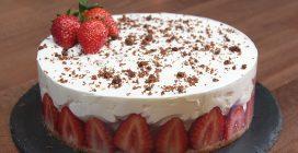 Cheesecake cremosa alle fragole: la ricetta fresca e golosa