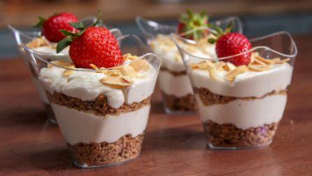 Dessert al cucchiaio con yogurt e cereali: la ricette deliziosa senza cottura