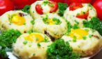 Eggs and potatoes baskets: the simple meal rich of flavor