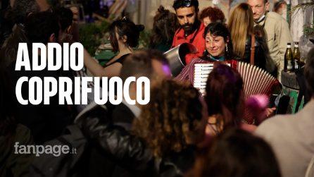 Coprifuoco alle 23, ma a Napoli già si festeggia la fine delle restrizioni