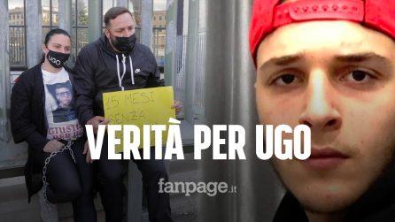"""I genitori di Ugo Russo si incatenano al Tribunale di Napoli: """"Verità per nostro figlio"""""""
