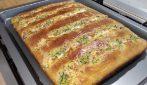 Focaccia con zucchine e pancetta: la ricetta soffice e saporita