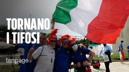 Europei, la festa dei tifosi di Italia e Turchia fuori dallo stadio Olimpico a Roma