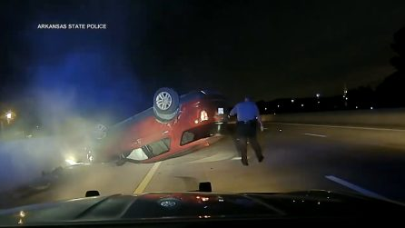 Poliziotto sperona auto di una donna incinta, il suv si ribalta