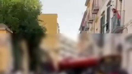 San Giorgio a Cremano, bus si schianta contro il portone di un palazzo