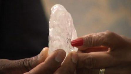 Botswana, ecco il diamante da 1.098 carati. Il terzo al mondo